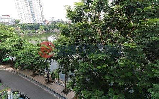 Truc Bach lake view 02 bedrooms service apartment in Tran Vu street for lease. (3)