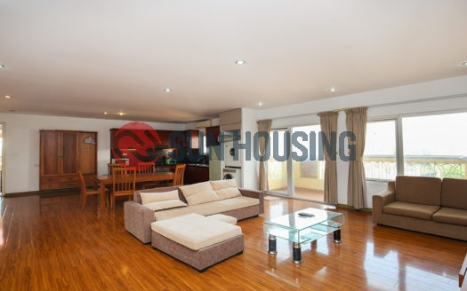 High floor To Ngoc Van apartment for rent with 2 bedrooms, walking to Westlake