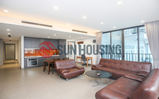 Lake view 2 bedroom apartment in Tu Hoa, Westlake | Recently finished