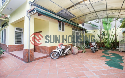A good size front yard 4 bedroom house for rent in To Ngoc Van