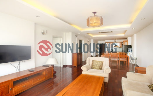 For rent a green view 3 bedroom apartment in Xuan Dieu, Westlake | 180 sqm