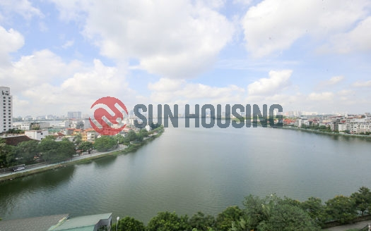 Top floor 3 bedroom apartment for rent, panoramic lake view from balcony.