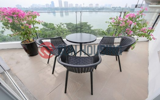 Panoramic lake view 3 bedroom apartment in To Ngoc Van for rent.