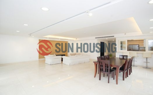 Xuan Dieu 3 bedroom apartment with huge living area of 220 sqm, available now