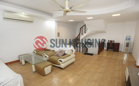 Nice house 3 bedrooms in Tay Ho for lease.