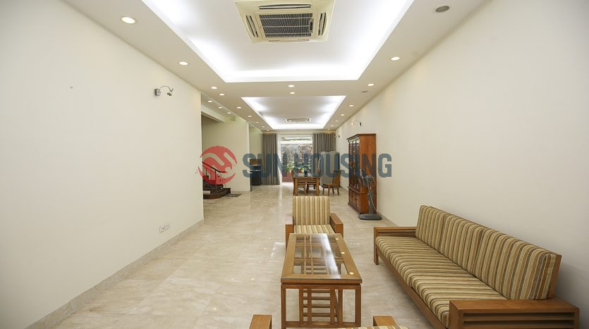 Nice and fully furnitured villa 3 bedrooms in T block Ciputra to rent.