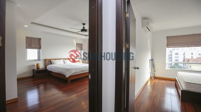 Spacious luxury 4 bedroom apartment in the area of 220 sqm, car access location