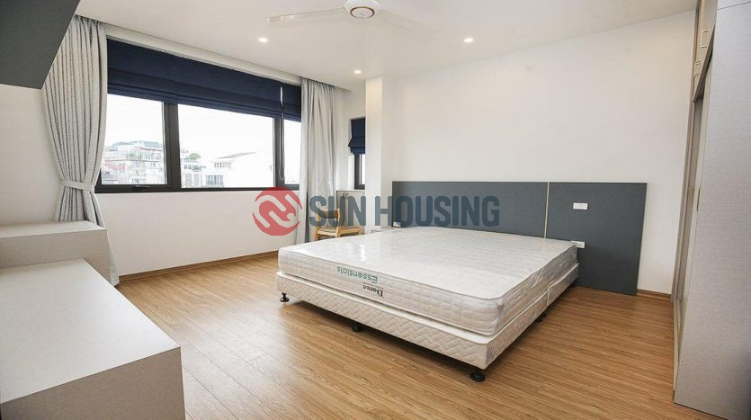 Modern, luxury and big 03 bedrooms service apartment in Xuan Dieu street for rent.