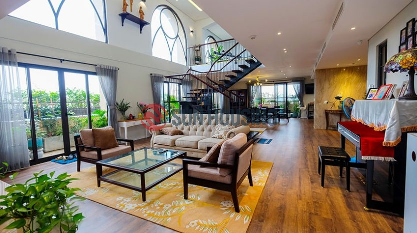This charming Penthouse apartment in Skyline Hoang Cau is available for lease now