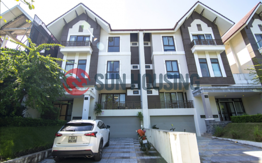 Charming villa with 5 bedrooms in Q block Ciputra to rent.